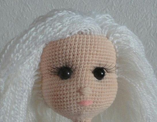 как сделать волосы для вязаной куклы мк