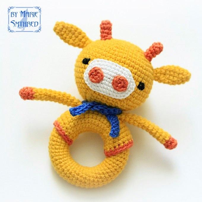 Вязаная игрушка на кольце «Жирафик»