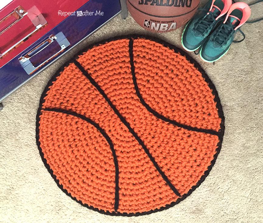 вяжем для дома крючком коврик мяч