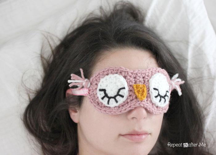 вязаная маска для сна сова
