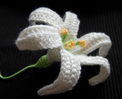 цветы крючком схема вязаной лилии