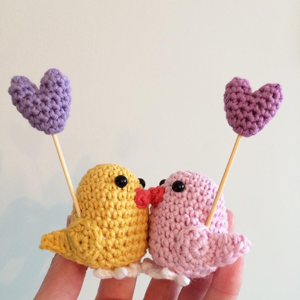 Вязание игрушек птички крючком