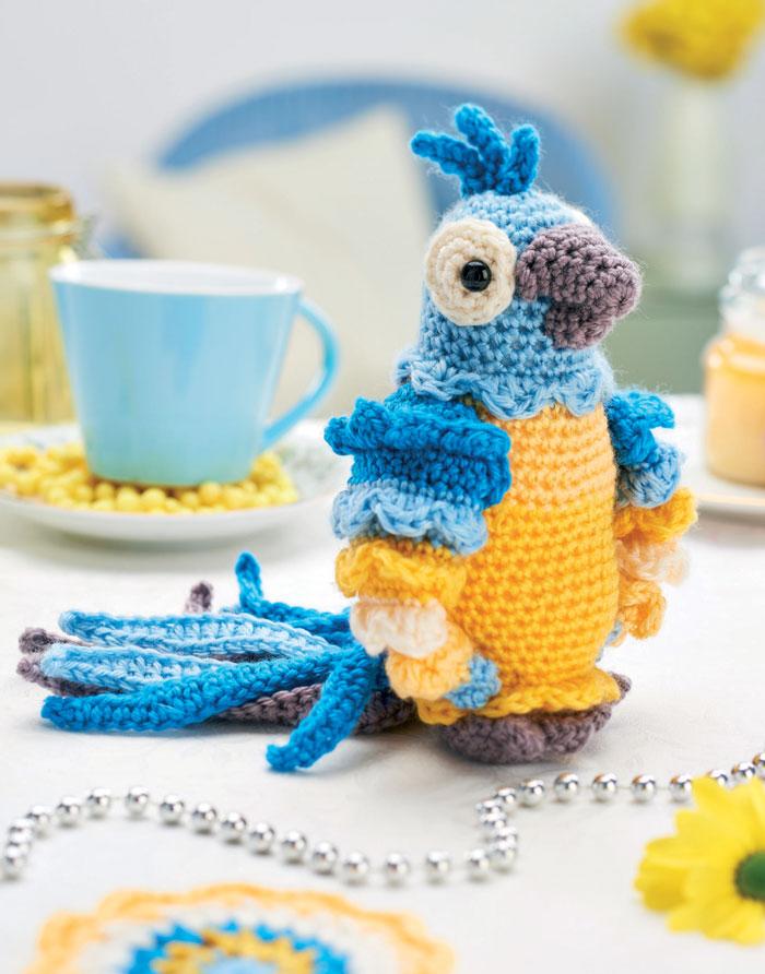 Вязаный крючком попугай описание игрушки