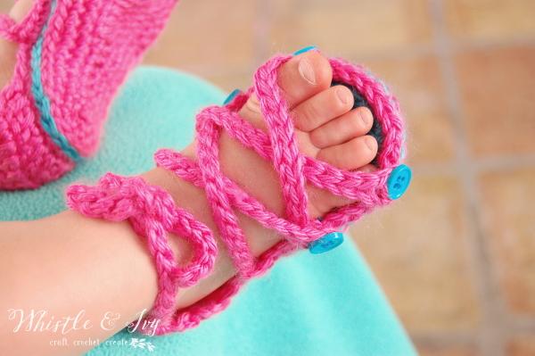 Детские вязаные сандалики крючком
