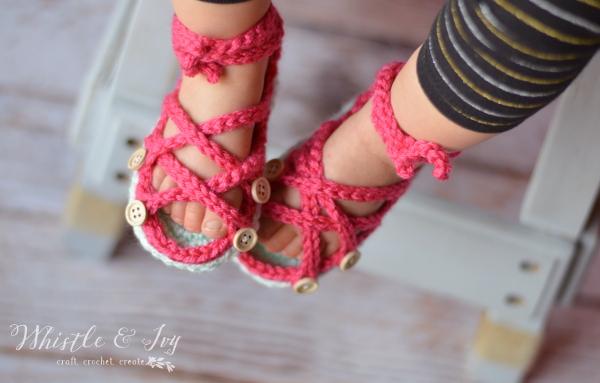 Как связать сандалики крючком