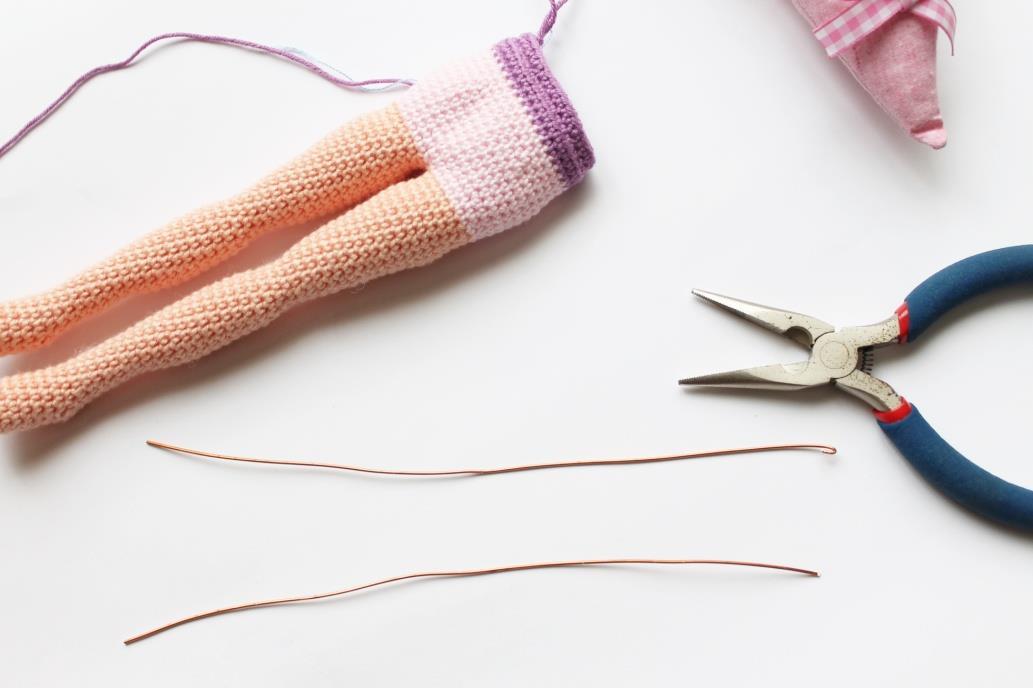 Схема вязания каркасной куклы балерины крючком