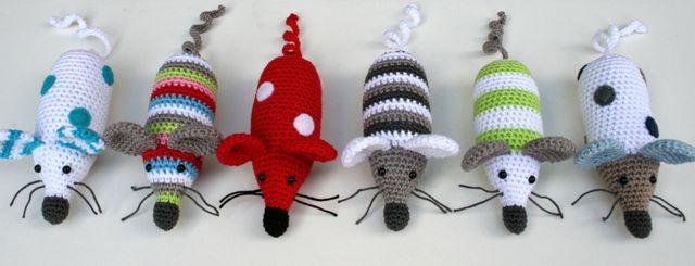 Вязаная игрушка мышка амигуруми описание