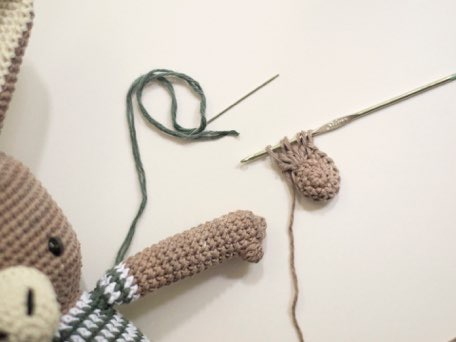Сборка вязаной игрушки амигуруми