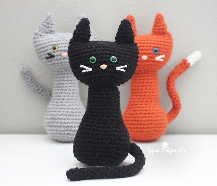 Вязаные игрушки кошки амигуруми