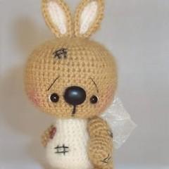 вязаная игрушка заяц амигуруми схема вязания мастер класс по мотивам саманты люттеротти