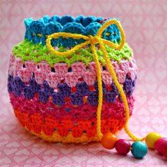 вязание крючком радужная сумочка схема