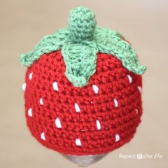 вязание крючком шапочка клубничка