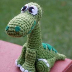 вязаная игрушка динозавр крючком схема амигуруми