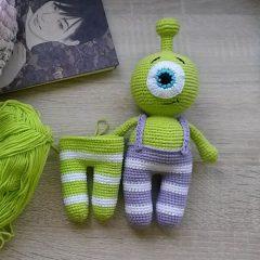 амигуруми инопланетянин схема вязаной игрушки крючком