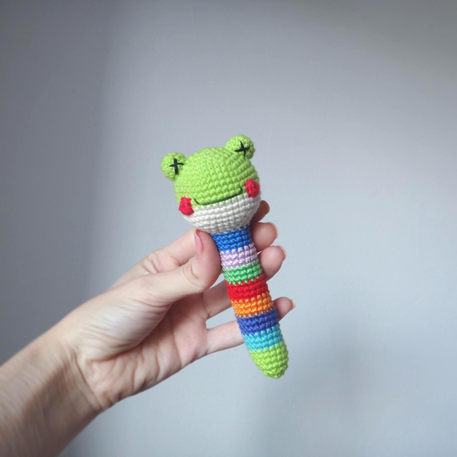 вязаные игрушки погремушки крючком схемы