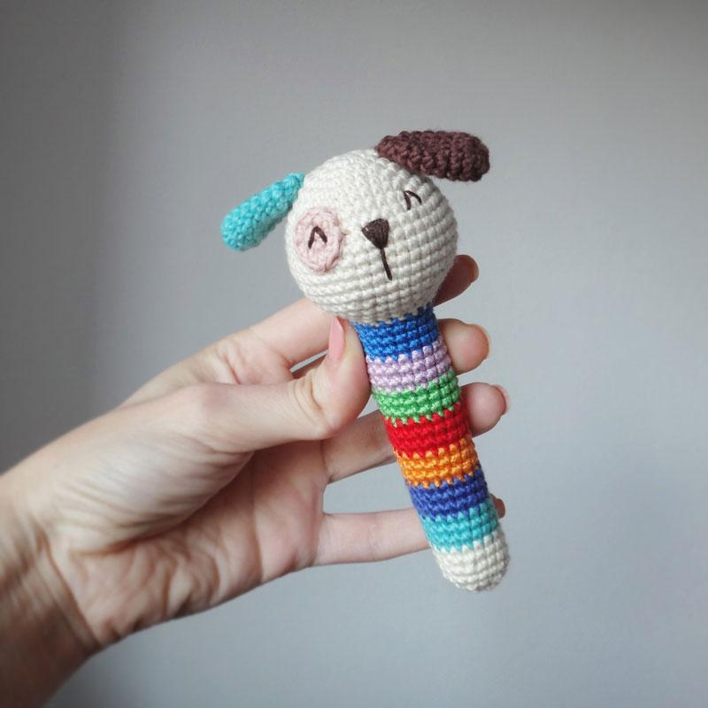 Вязаные игрушки погремушки крючком схемы собачка