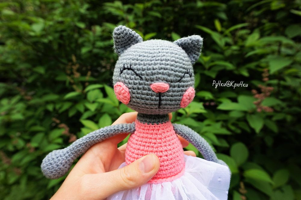 Амигуруми кошка балерина схема вязаной игрушки крючком мк