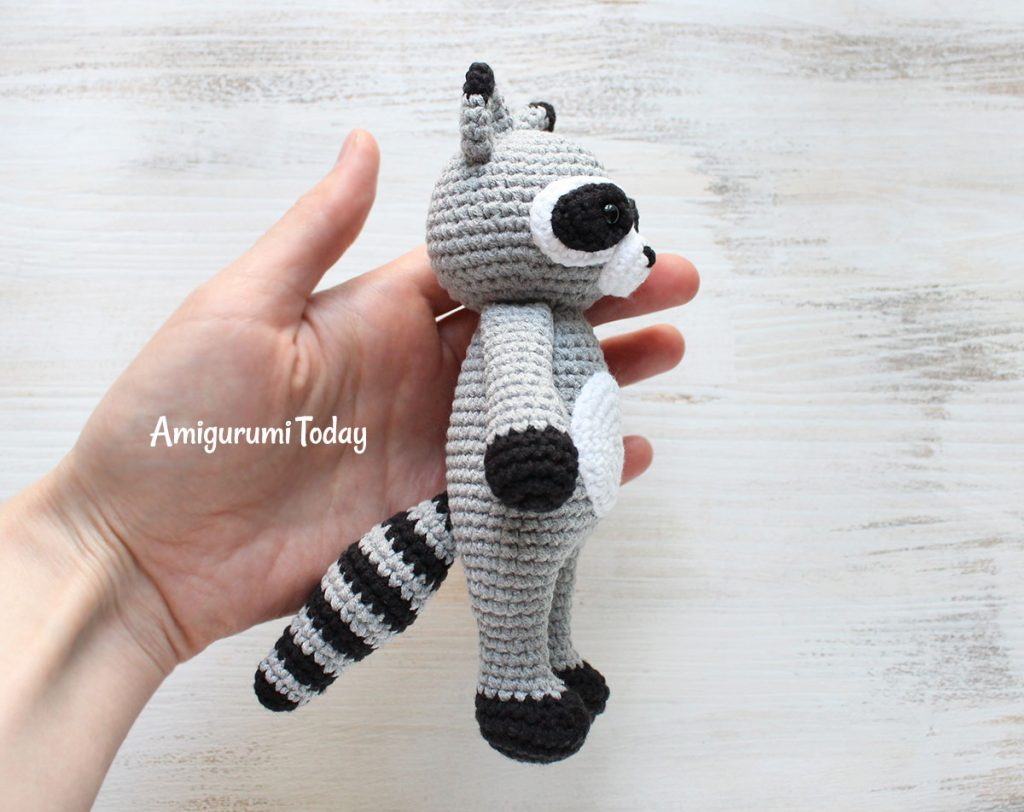 Енот-обнимашка - схема игрушки крючком