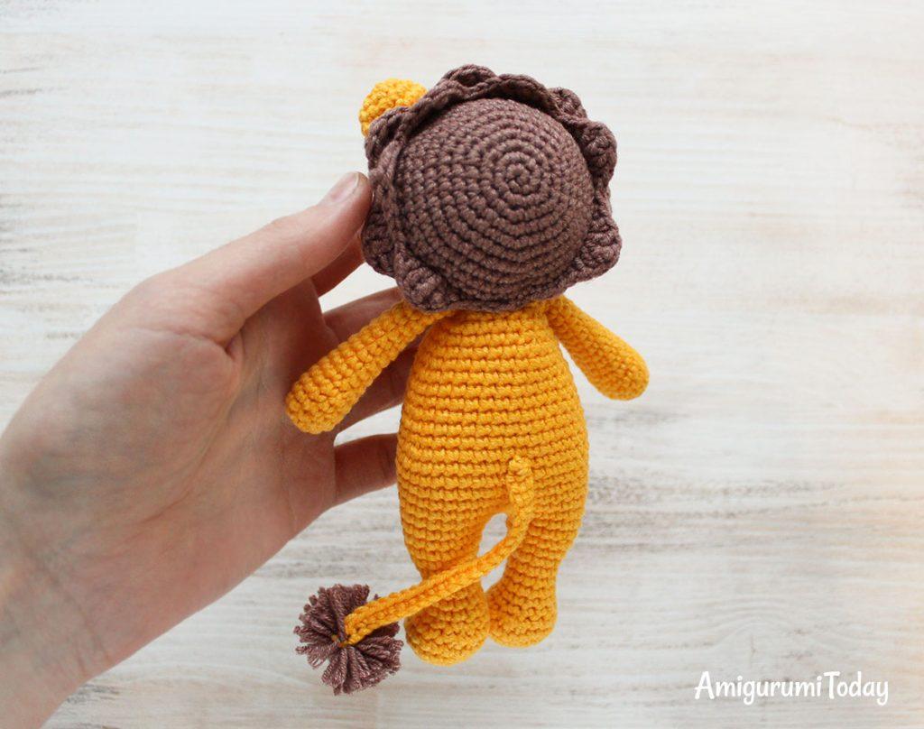 Лев-обнимашка - схема вязания игрушки крючком