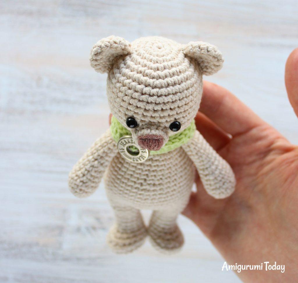 Медвежонок-обнимашка - схема игрушки амигуруми крючком