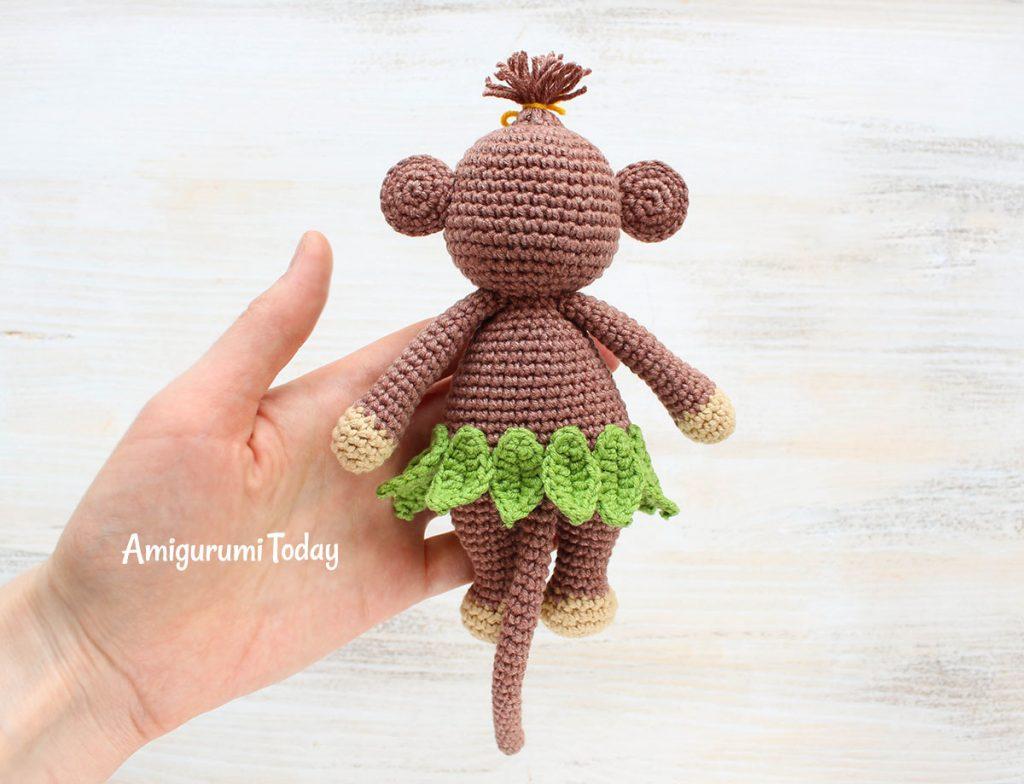 Обезьянка-обнимашка -схема вязаной игрушки амигуруми крючком