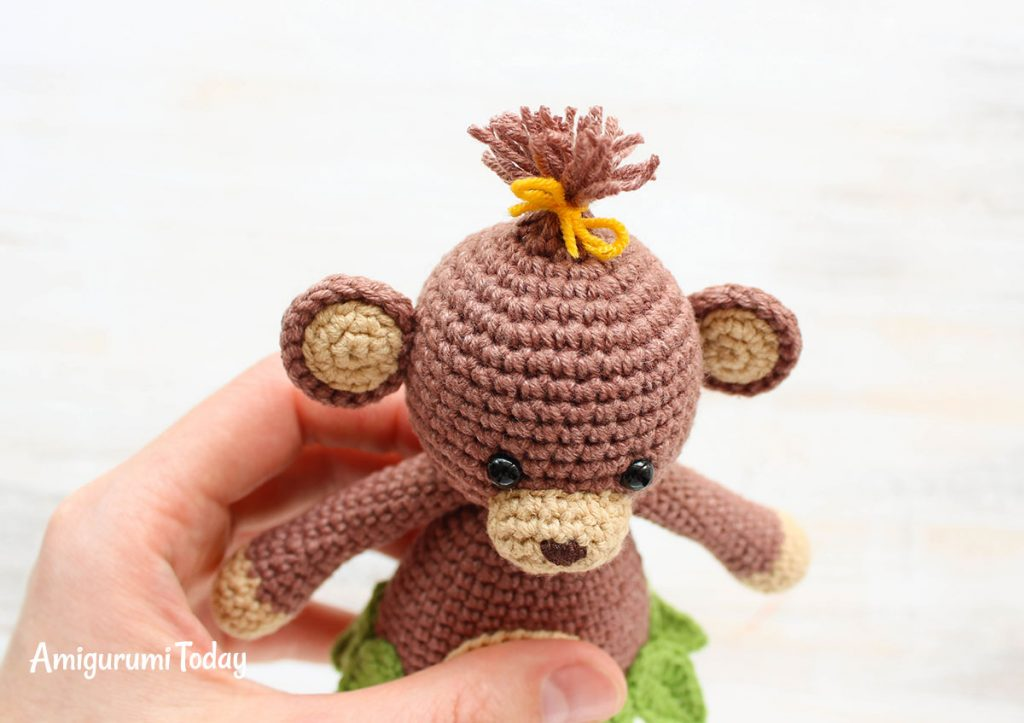 Обезьянка-обнимашка -схема вязаной игрушки крючком