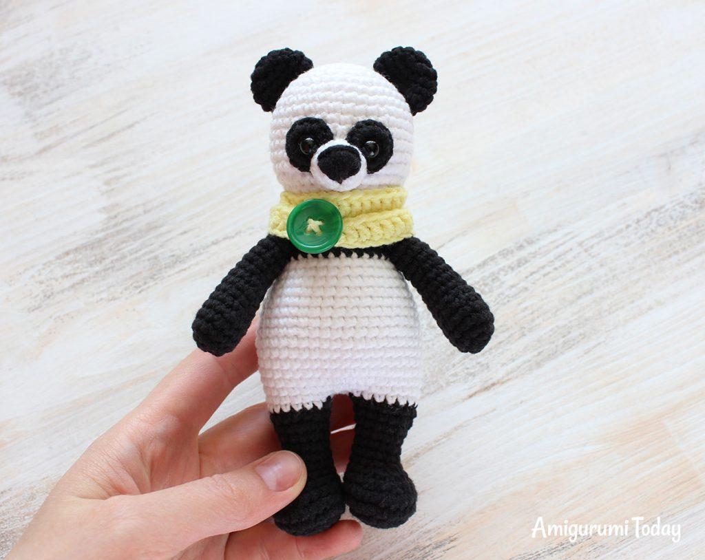 Панда-обнимашка - схема вязания игрушки крючком