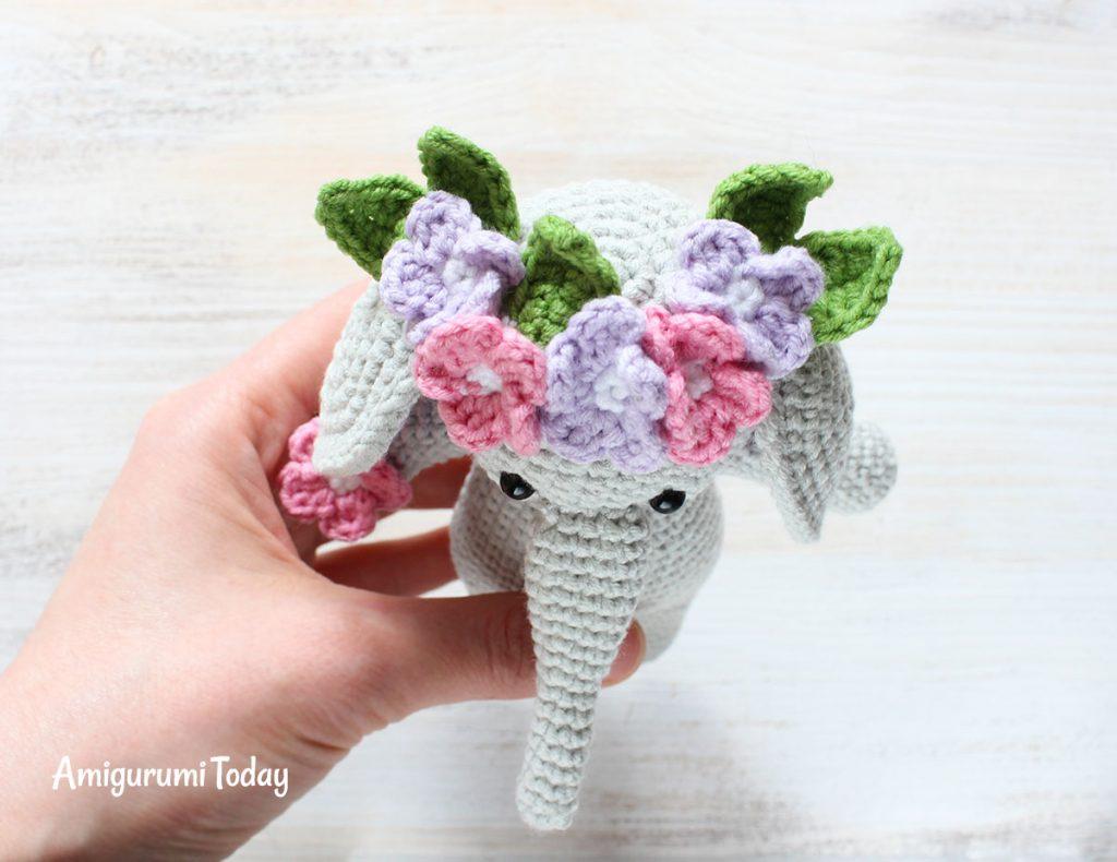 Слоник-обнимашка - схема вязания амигуруми игрушки крючком