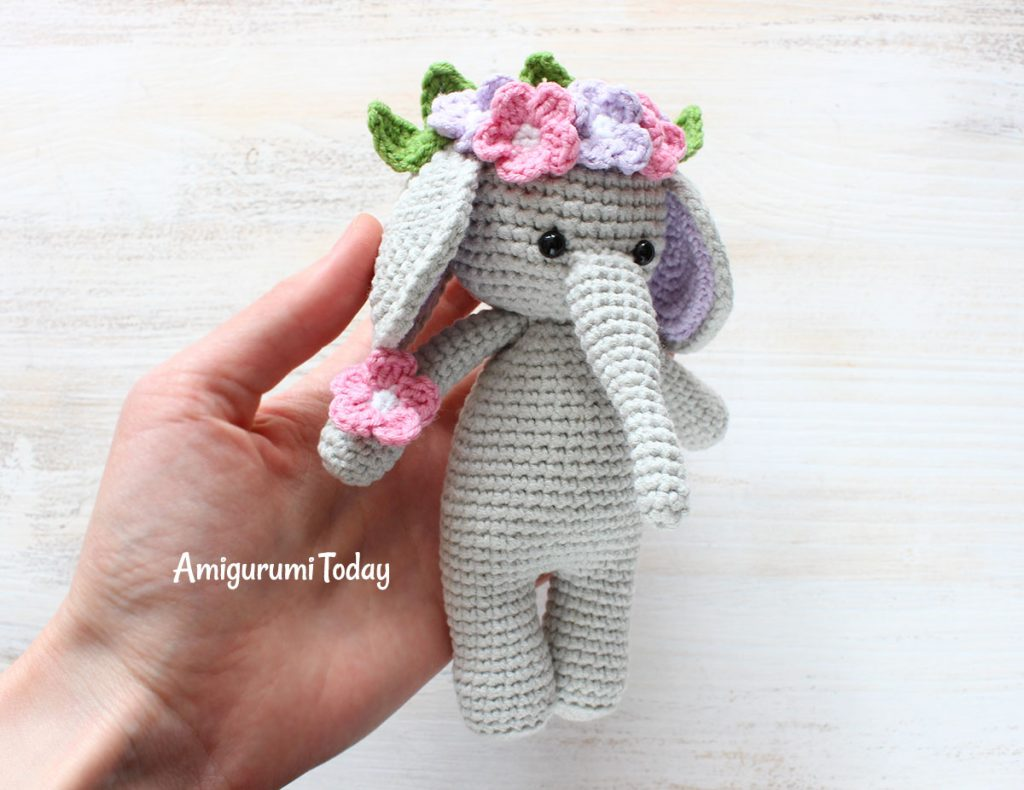 Слоник-обнимашка - схема вязания игрушки крючком